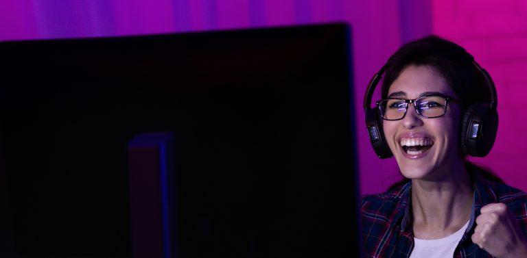 female gamer